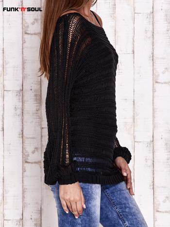 Czarny ażurowy sweter z dekoltem w łódkę FUNK N SOUL                                  zdj.                                  4