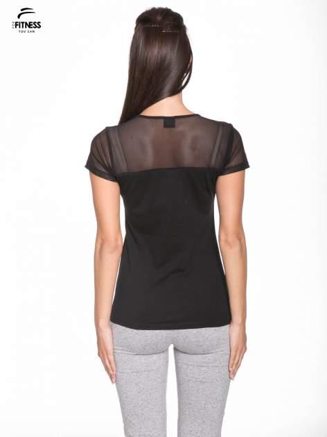 Czarny bawełniany t-shirt z siateczką                                  zdj.                                  4