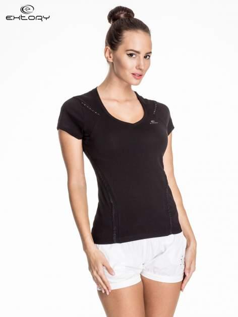 Czarny damski t-shirt sportowy ze wzorzystymi wstawkami                                  zdj.                                  1