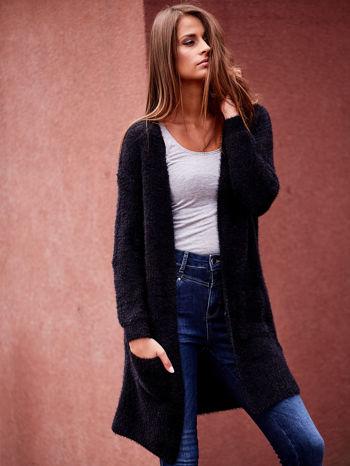 Czarny długi puszysty sweter                                  zdj.                                  6