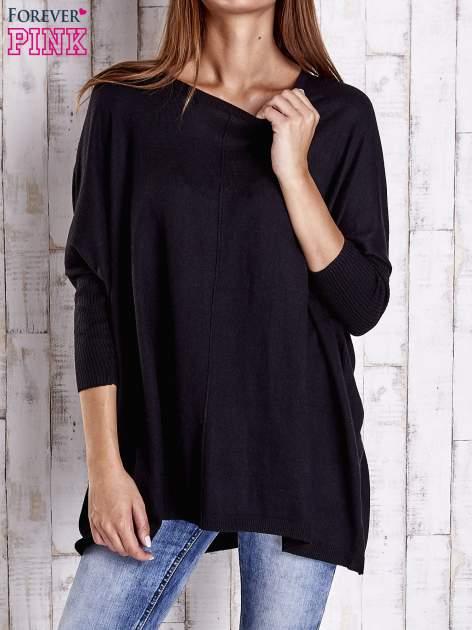 Czarny długi sweter oversize z nietoperzowymi rękawami                                  zdj.                                  1