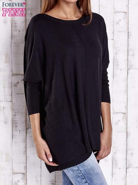 Czarny długi sweter oversize z nietoperzowymi rękawami                                  zdj.                                  3