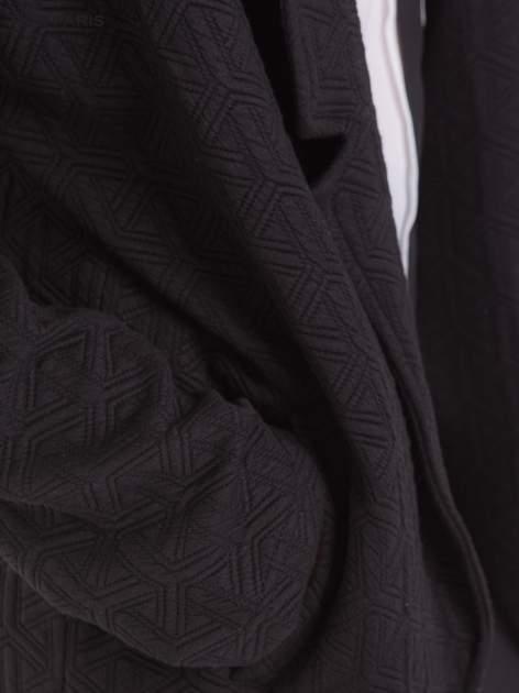 Czarny długi żakiet o kroju oversize wytłaczany w geometryczny wzór                                  zdj.                                  8