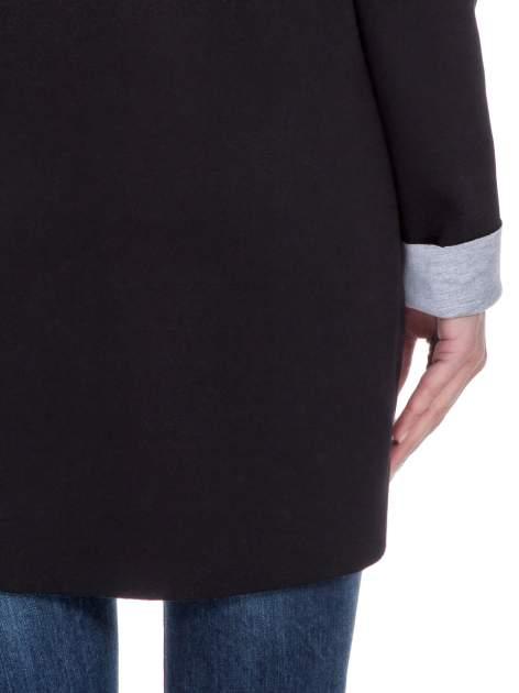 Czarny dresowy płaszcz oversize z kapturem                                  zdj.                                  8