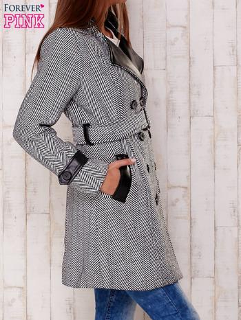 Czarny dwurzędowy płaszcz w jodełkę ze skórzanymi wstawkami                                  zdj.                                  3
