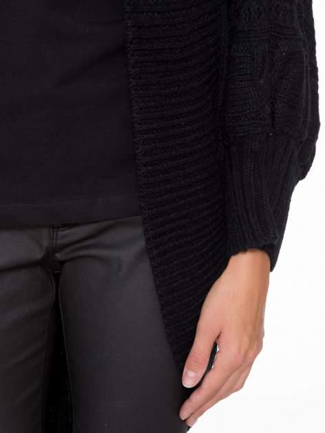 Czarny dziergany sweter typu otwarty kardigan                                  zdj.                                  6