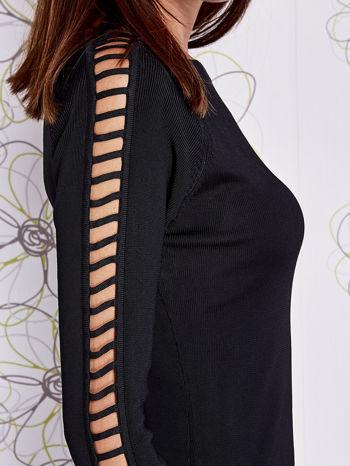 Czarny jedwabny sweter cut out shoulder                                  zdj.                                  5