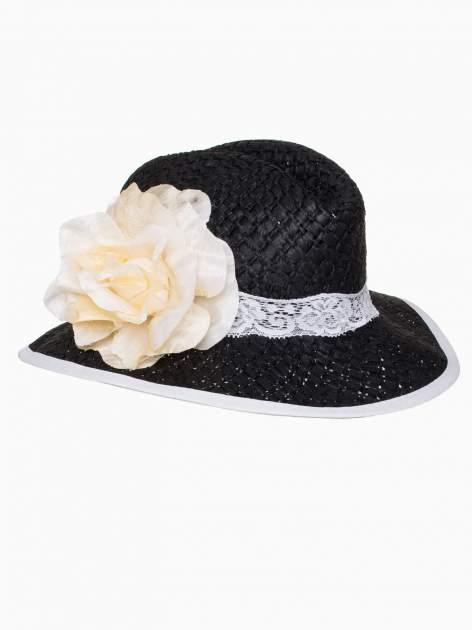 Czarny kapelusz słomiany z dużym rondem i dużym kwiatem                                  zdj.                                  7