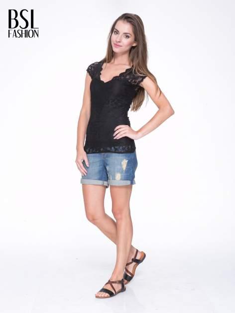 Czarny koronkowy t-shirt z głębokim dekoltem                                  zdj.                                  5