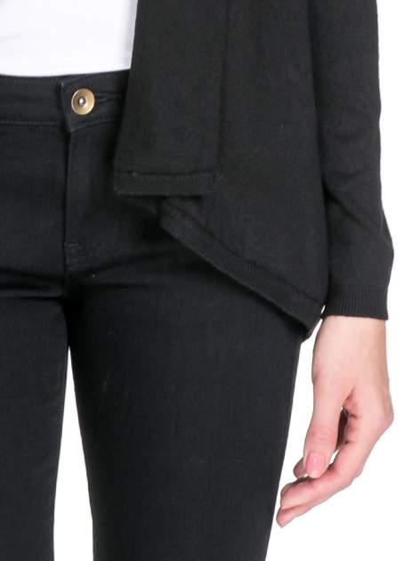 Czarny otwarty sweter narzutka z dłuższym tyłem                                  zdj.                                  6