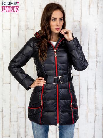 Czarny płaszcz z paskiem i kolorowymi suwakami                                  zdj.                                  4