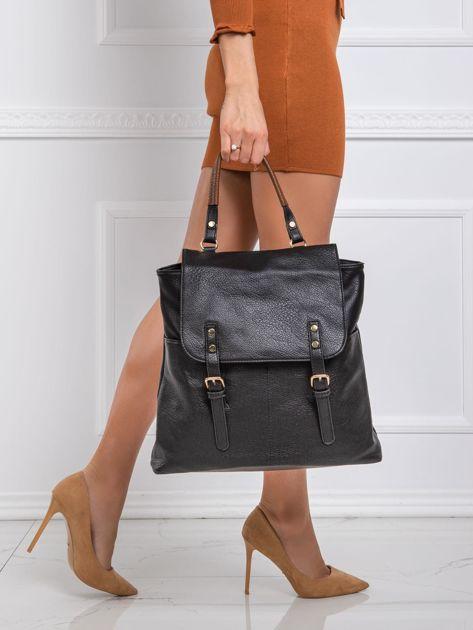 Czarny plecak z klapą