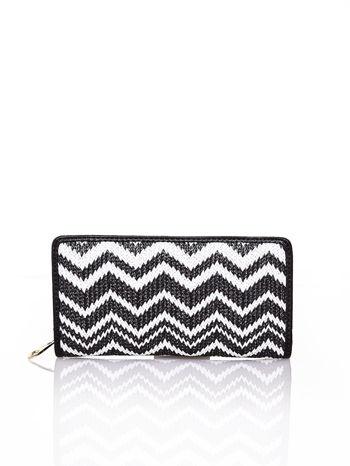 Czarny pleciony portfel w białe geometryczne wzory                                  zdj.                                  1