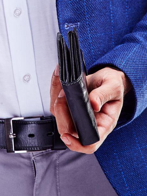 Czarny portfel dla mężczyzny z klapką                              zdj.                              5