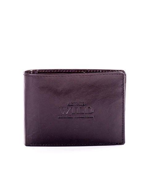 Czarny portfel dla mężczyzny z tłocznym napisem                              zdj.                              1