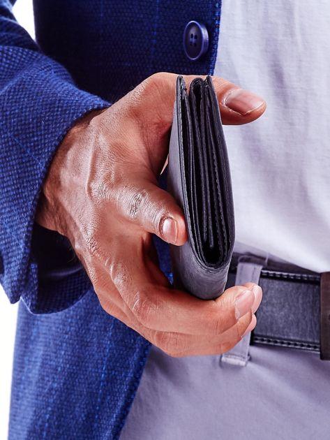 Czarny portfel męski przecierany                              zdj.                              2