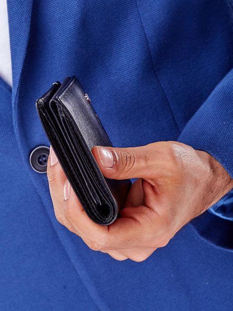 Czarny portfel męski z przeszyciem                              zdj.                              2