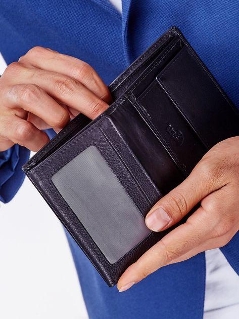 Czarny portfel męski z przeszyciem                              zdj.                              5