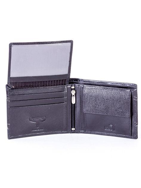Czarny portfel męski ze skóry z poziomym tłoczeniem                              zdj.                              5