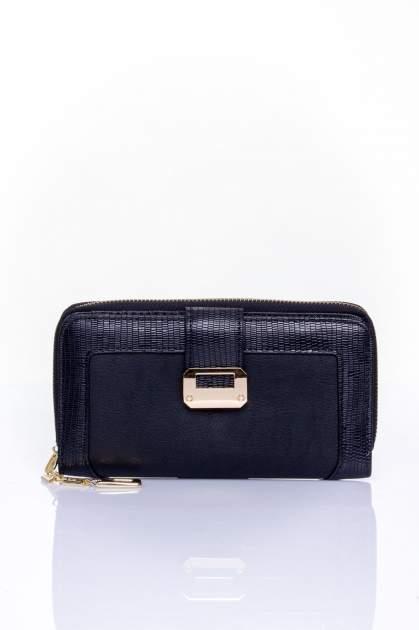 Czarny portfel ze złotą klamerką