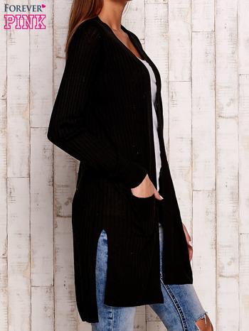 Czarny prążkowany sweter z kieszeniami                                  zdj.                                  3