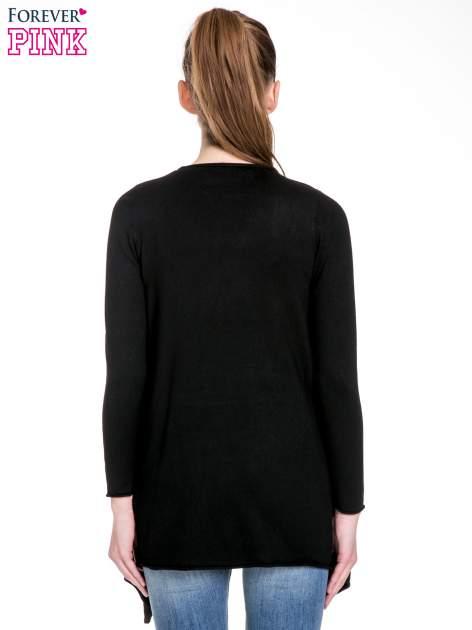 Czarny sweter narzutka o kroju waterfall                                  zdj.                                  4