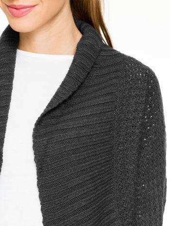 Czarny sweter narzutka z rękawem 3/4                                  zdj.                                  6