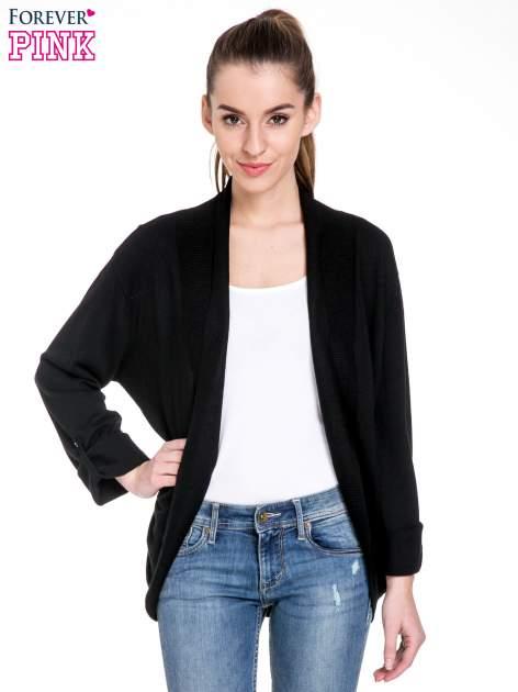 Czarny sweter narzutka z wywijanymi rękawami                                  zdj.                                  1