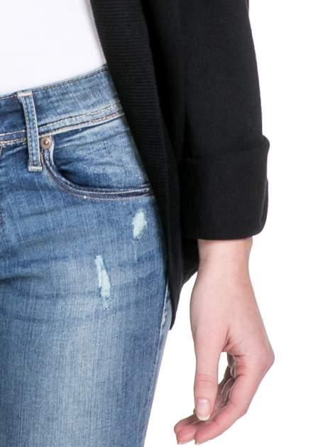 Czarny sweter narzutka z wywijanymi rękawami                                  zdj.                                  6