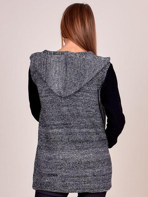 Czarny sweter z kapturem na suwak                              zdj.                              2