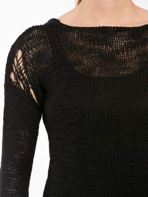 Czarny sweter z oczkami przy ramionach                                  zdj.                                  5