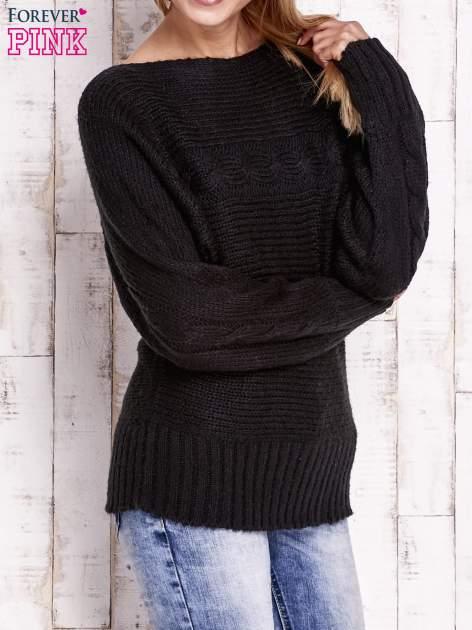 Czarny sweter z warkoczowym splotem                                  zdj.                                  3