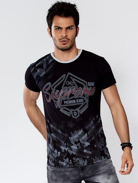 Czarny t-shirt męski z graficznym napisem                              zdj.                              1
