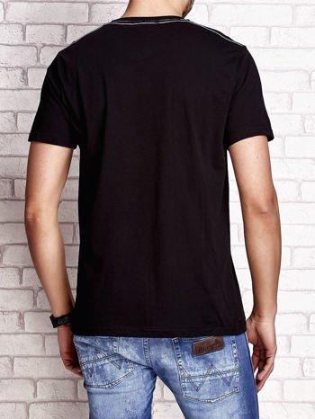 Czarny t-shirt męski z napisem RAMOS i nadrukiem                                  zdj.                                  2