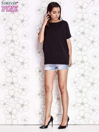 Czarny t-shirt oversize                                  zdj.                                  2