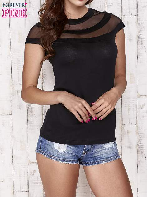 Czarny t-shirt z ażurową górą                                   zdj.                                  1