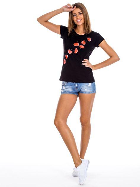 Czarny t-shirt z czerwonymi kwiatami                              zdj.                              4