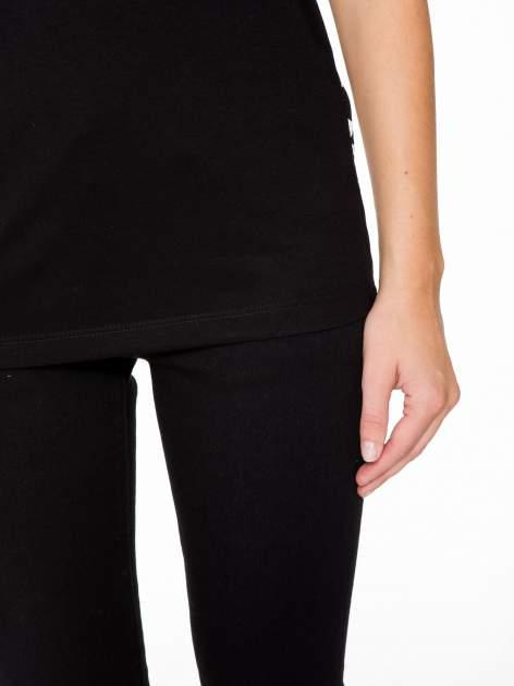 Czarny t-shirt z dżetami i tyłem w cętki                                  zdj.                                  7
