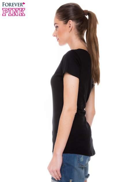 Czarny t-shirt z koronkową wstawką na ramionach                                  zdj.                                  2