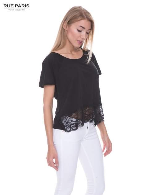Czarny t-shirt z koronkowym dołem                                  zdj.                                  2