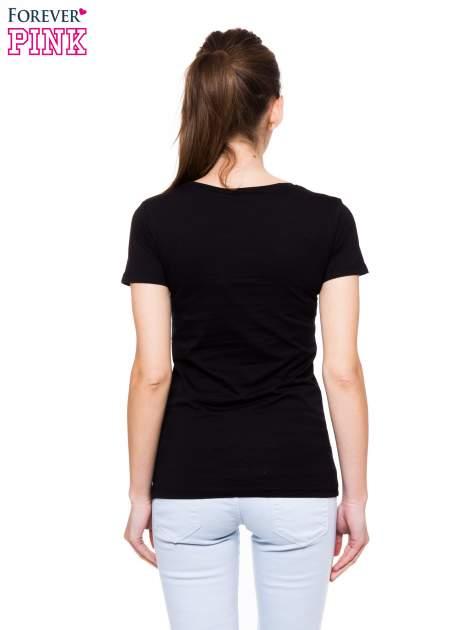 Czarny t-shirt z nadrukiem GOOD GIRLS DO BAD THINGS                                  zdj.                                  3