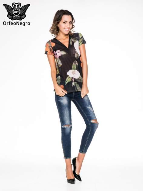 Czarny t-shirt z nadrukiem all over floral print                                  zdj.                                  2