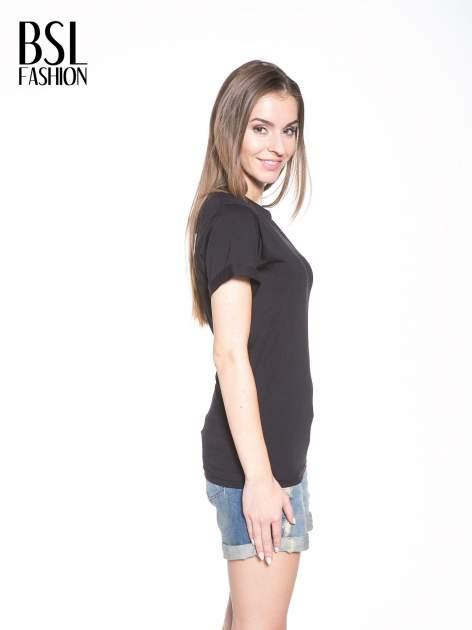 Czarny t-shirt z nadrukiem numerycznym KAWAKUBO 42 z tyłu                                   zdj.                                  4
