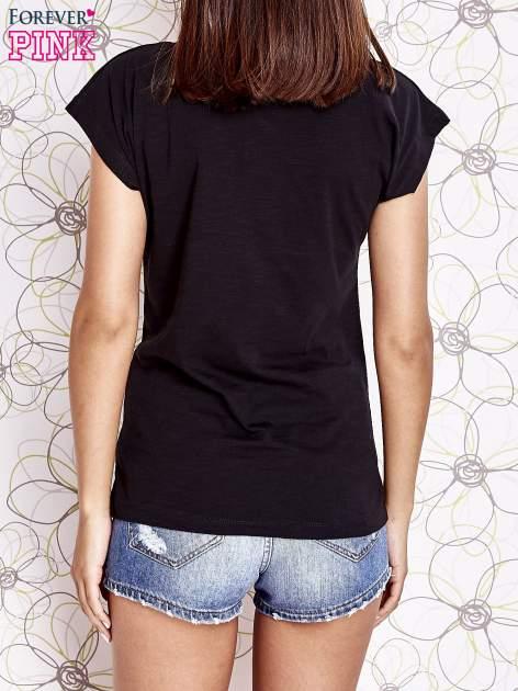 Czarny t-shirt z nadrukiem znaku zapytania                                  zdj.                                  4