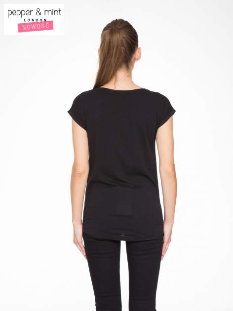 Czarny t-shirt z nadrukiem żyrafy                                  zdj.                                  4