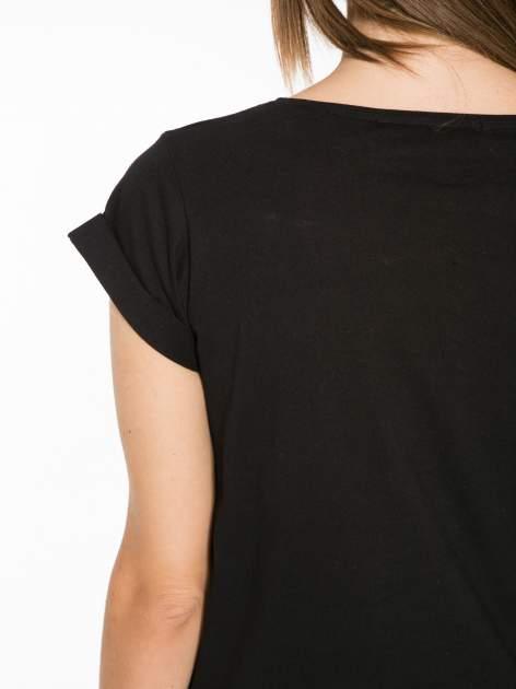 Czarny t-shirt z napisem CÉLINE ME ALONE                                  zdj.                                  9