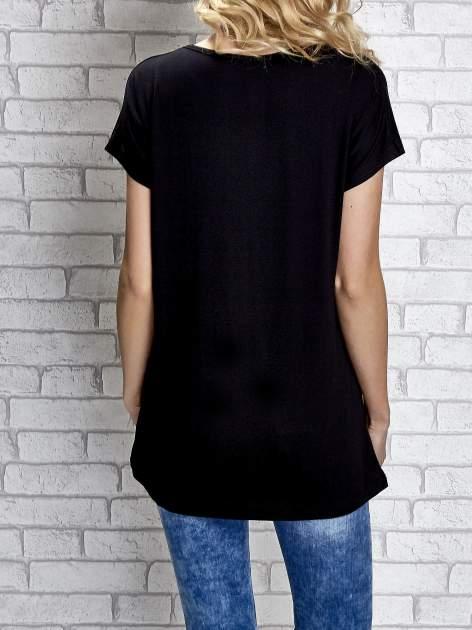 Czarny t-shirt z napisem I AM CHOCOHOLIC BABY                                  zdj.                                  6