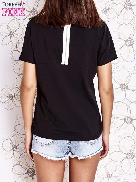 Czarny t-shirt z napisem J'ADORE LE NOIR                                  zdj.                                  4