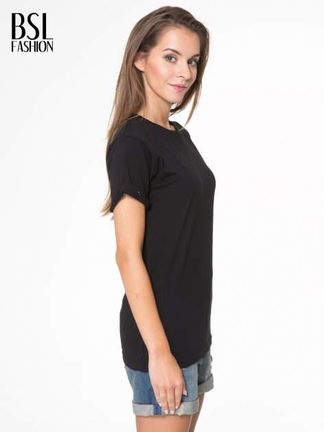 Czarny t-shirt z napisem MARGIELA 47 na plecach                                  zdj.                                  4