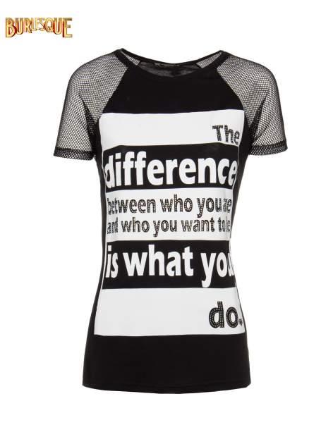 Czarny t-shirt z napisem i siateczkowymi rękawami
